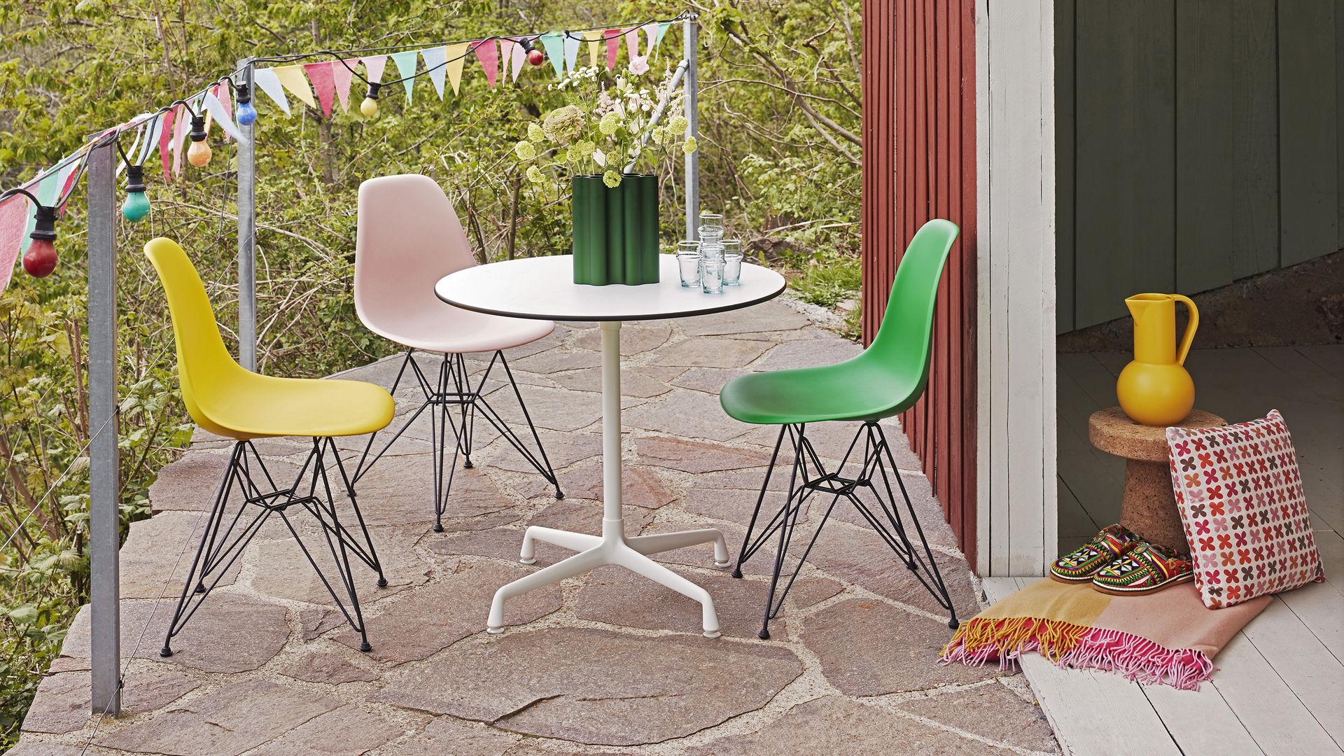 Eames DSR Chair contemporary designer furniture