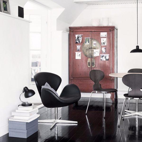 Swan Chair-0