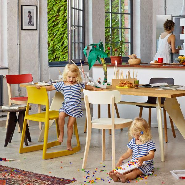Vitra EM Table Lifestyle3 contemporary designer furniture