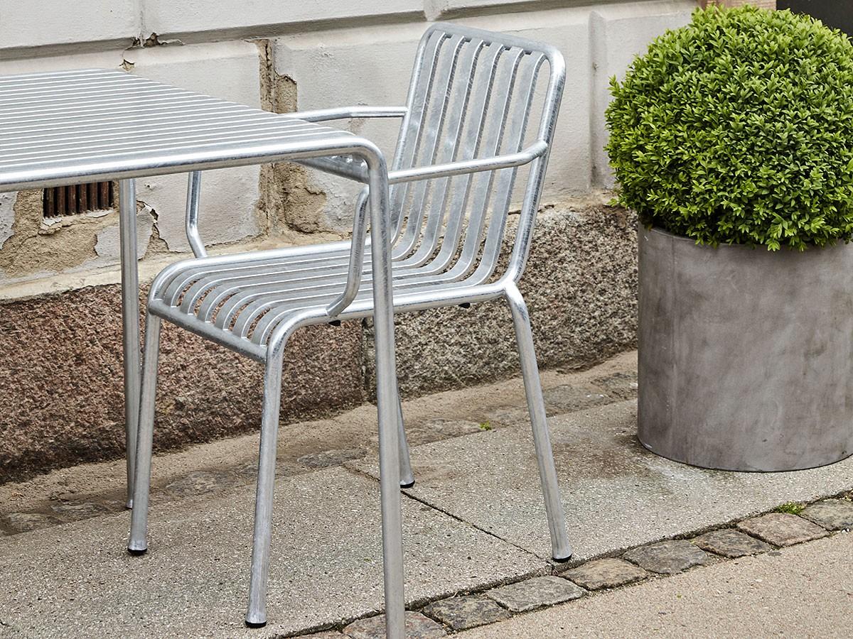 Hay-Palissade-Armchair-Hot-Galvanized-Steel-Lifestyle2
